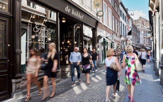 2494_fullimage_ddna maastricht shopping winkelstraat_560x350