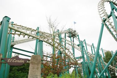 walibi_world_-_el_condor_lift_and_entrance