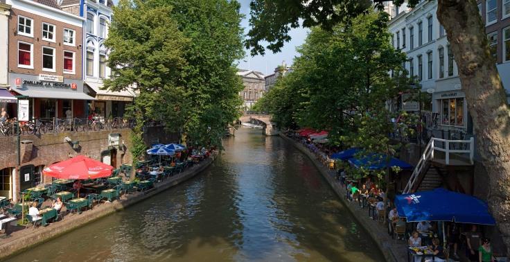 Utrecht_Canals_-_July_2006.jpg
